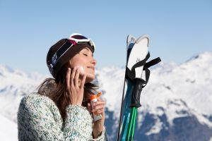 De wintersportzon is heerlijk, maar ook krachtig!